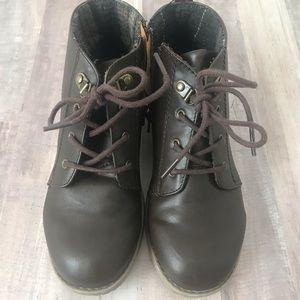 Boys GAP boots